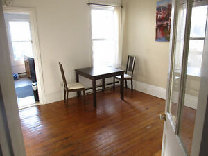 8 Month lease! 5 bedroom house near downtown