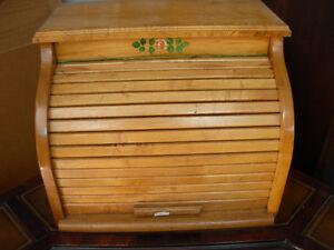 Vintage Roll-Top Bread Box Cambridge Kitchener Area image 1
