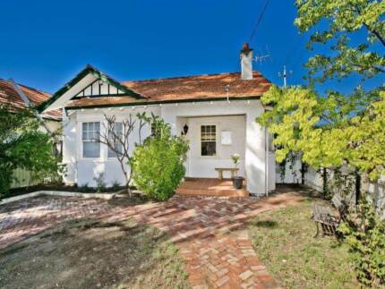 Neat and tidy house, lovely owners, 2 rooms to rent Leederville Vincent Area Preview