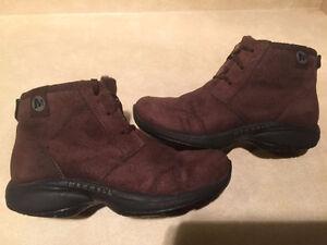 Women's Merrell Air Cushion Shoes Size 7 London Ontario image 1