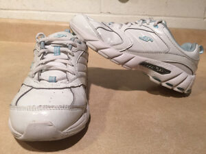 Women's Dr. Scholl's Shoes Size 7 London Ontario image 6