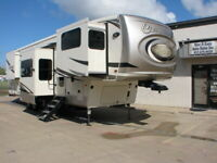 NO RESERVE!19 PALOMINO COLUMBUS 389 BY FOREST RIVER,6 SLIDES, 42.1 FT 5TH WHEEL!