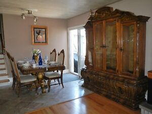 One of a Kind / Dinning Table & Hutch