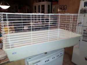 grande cage à lapins ou pour rongeurs,marque HAGEN,très propre