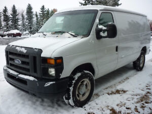 2012 Ford Econoline E-250 Cargo Van,CLEAN CARPROOF, LOW KMS!!!