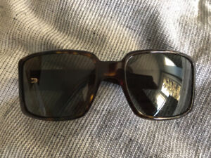 Authentic sunglasses only worn a couple times