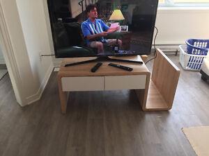 Table de salon avec rangements