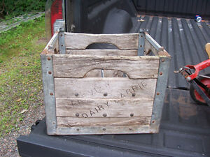 Antique Lakeview Dairy Milk Crate Holds 12 Milk Bottles