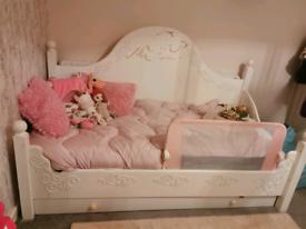 Bespoke Single Bed