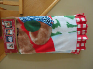 Brand new with tags Christmas holiday print fleece throw blanket London Ontario image 1