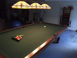 pool table 9 feet mint condtion