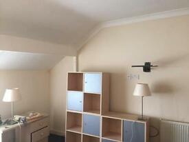 NORTH END PORTSMOUTH LARGE DOUBLE ROOM TO RENT FOR WORKING PEOPLE £95 PW AI, 25+, SINGLE OCCUPANCY