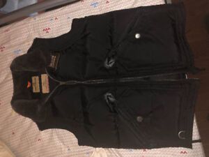 Selling brand new men's Kobuk Parajumpers vest size small