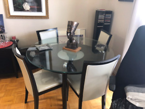 Dining room set perfect condition