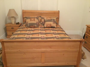 Queen size sleigh bedroom set
