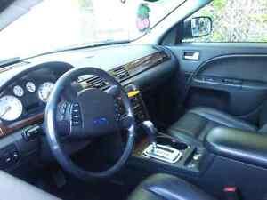 Luxury Car   2005 Kingston Kingston Area image 3