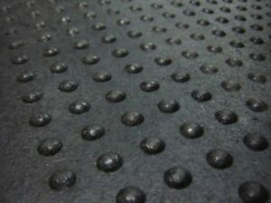 "4' x 2' x 5/8"" Rubber Mats - Botton Top Design"