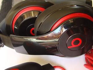 ORIGINAL BEATS BY DRE AUDIO HEADPHONE WITH USB CHARGER