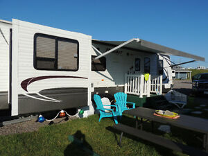 2013 Hideout Trailer 31RLDS with paid Seasonal Campsite