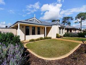 Beautiful 3x2X2 house located in Aubin Grove available for rent. Aubin Grove Cockburn Area Preview