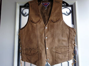 Brown leather vest in Ladies Med.  recycledgear.ca