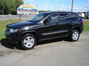 2012 JEEP GRAND CHEROKEE***4X4***LEATHER***SUNROOF***NEW TIRES**