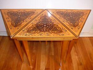 trio de tables marquetées Florentin antiques/1930 Européennes