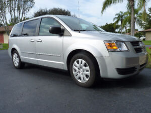 2010 Dodge Grand Caravan SE, Stow & Go
