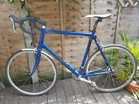 Road bike for sale- Cannondale ( REDUCED!)