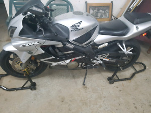 Cbr600f4i with lots of goodies
