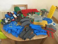 TOMY Thomas train set with motorised trains