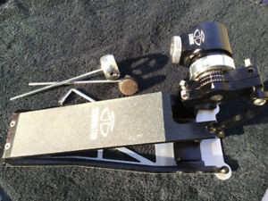 TRICK DOMINATOR Bass Drum Pedal + case PEARL