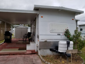 FLORDIA-- CHEAP  MOBILE HOME TRAVEL TRAILER   MAKE AN OFFER