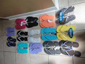 Old Navy women's flip flops slippers Size 6 and 7 Brand new London Ontario image 1