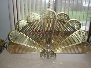 VINTAGE BRASS PEACOCK FAN FIREPLACE SCREEN FROM 1970s