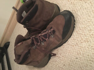 Men's Size 13 North Face Boots