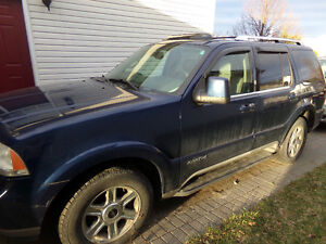 2004 Lincoln Aviator SUV, Crossover