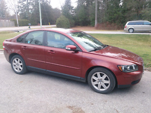 2007 Volvo S40      best offer or trade