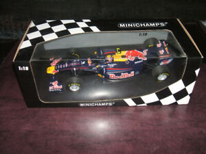 Formula 1 one Red Bull Minichamps 1 :18 Diecast Mark Webber 2011