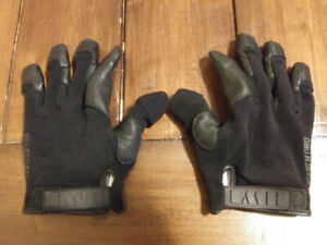Black security gloves Fundy tactical