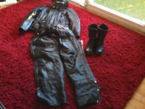 Ladies quality leather motorcycle gear.