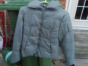 Ladies Med. Old Navy Grey Winter Jacket Belleville Belleville Area image 1