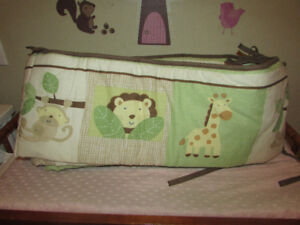Crib Jungle bumper pad