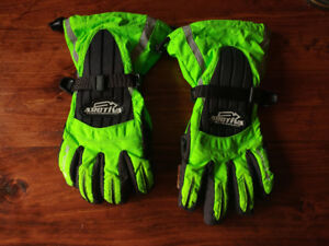 Arctiva Cold Weather High Visibility Gloves(L) Green - 20$ Firm