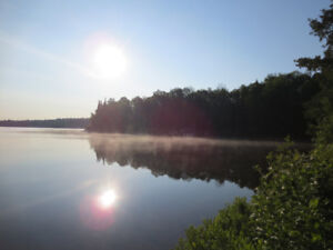 Waterfront cottage available August long weekend