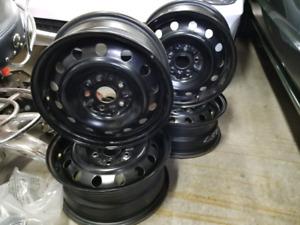 4 roues 15 pouces 5x114.3 original Toyota