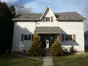 3 Bedroom 1.5 Bath Updated Duplex - Chatham