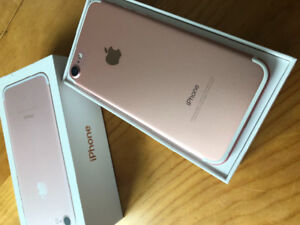 iPhone 7- 32gb unlocked, excellent condition headphones/charger