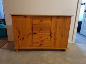 FOR SALE SOLID WOOD HUTCH