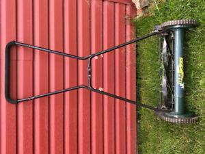 Tondeuse à gazon (pelouse) manuelle